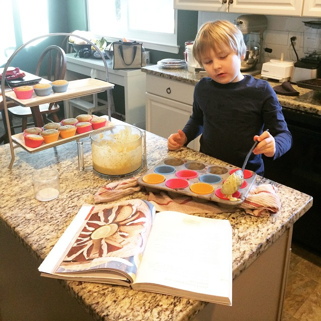 Fin making Muffins, Paleo Parents