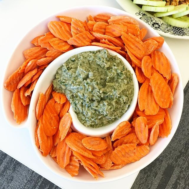 Paleo party food carrot chips and spinach artichoke dip, Is Chocolate Paleo? Paleo Parents Weekend Wrap Up 7.19