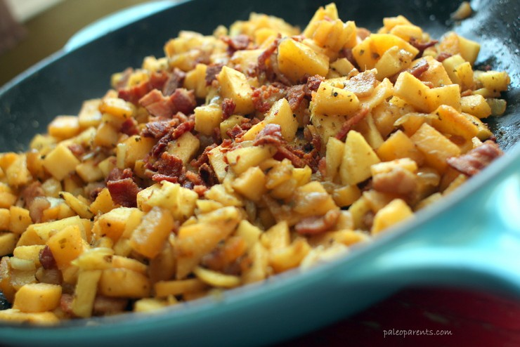 Apple Bacon not Potato Breakfast Hash on Paleo Parents
