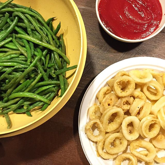 calamari and green beans, Crustless Quiche Recipe from Paleo Eats plus our Weekly Family Meal Plan | Paleo Parents